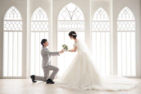 婚礼 白ドレス ブーケ